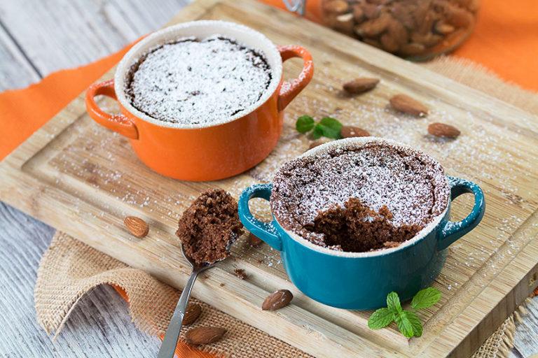 chocolate mug cake with icing sugar