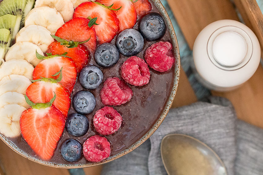 Acai bowl on tray