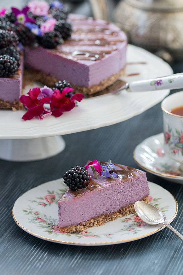 Vegan, No-Bake Blackberry Cheesecake with slice
