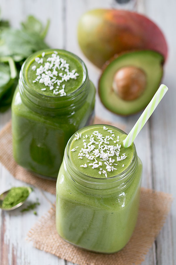 Mango Matcha Green Smoothie with Mango