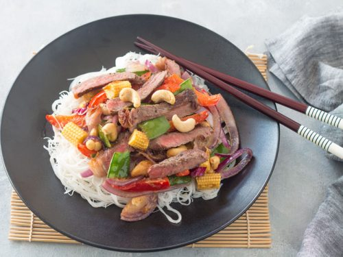 Beef Stir-Fry with Cashew Nuts