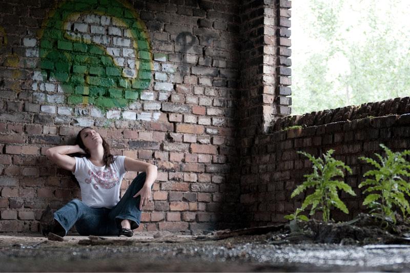 Eva Burg on the floor