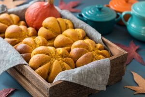 Healthy Pumpkin Bread Rolls
