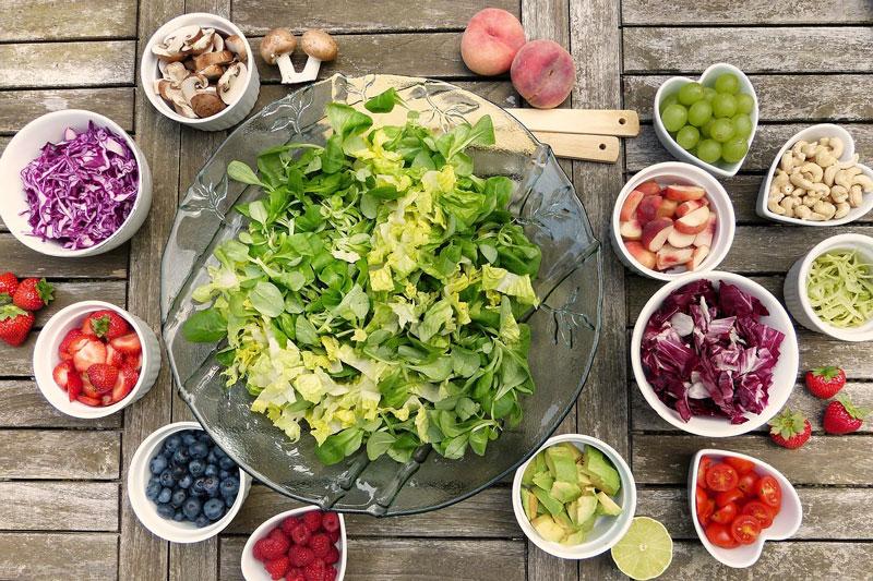 salad raw food