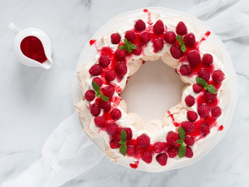 Christmas Wreath Pavlova