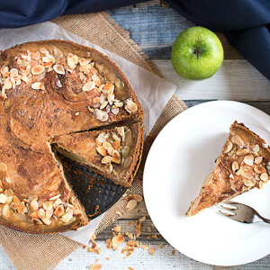 Gluten Free Apple Date Cake Rye